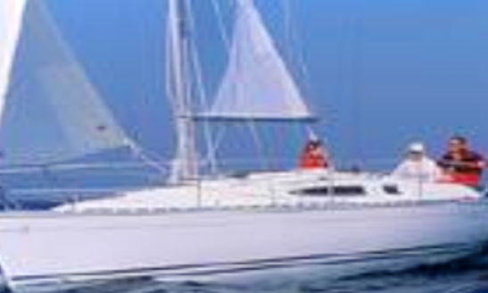 29' Sun Odyssey 29.2 Dl Sloop Rental In La Foret-fouesnant, France