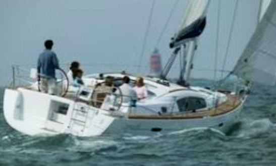 Oceanis 40 Q Cruising Monohull Rental In La Foret-fouesnant, France