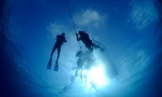 Scuba Diving Lesson With A Padi Instructor In San Sebastian De La Gomera, Spain