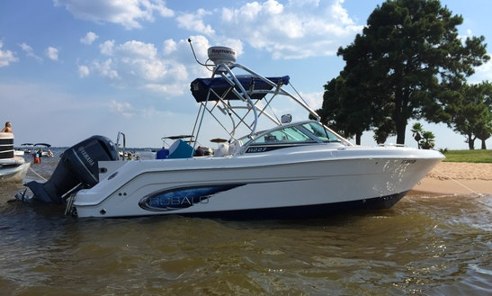 22ft Robalo R227 Dual Console Bowrider Fishing Boat Rental In Katy, Texas