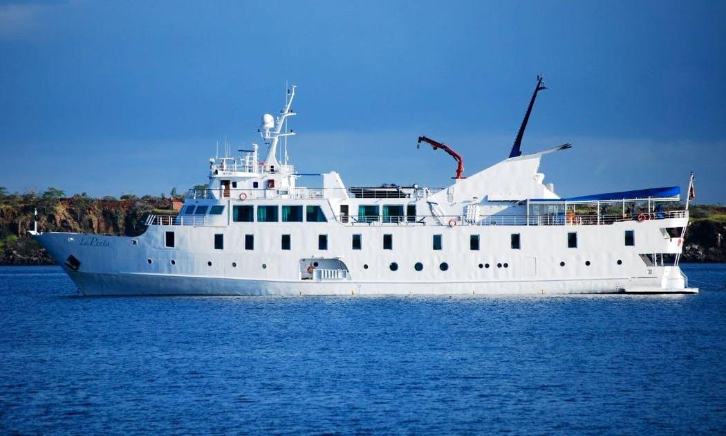 'La Pinta' Motor Yacht Charter in Guayaquil