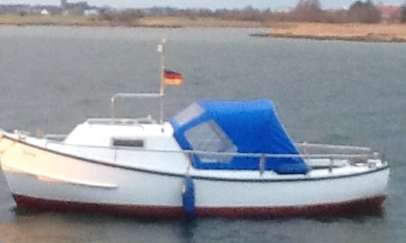 Rent the 19' Stroke Boat in Fehmarn