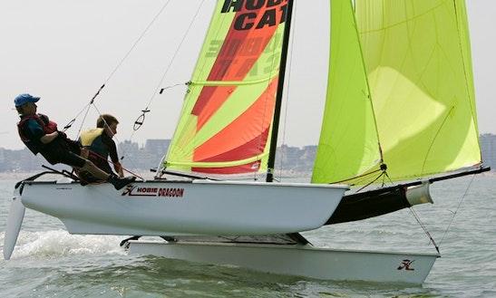 Catamara Sailing Lessons In Névez