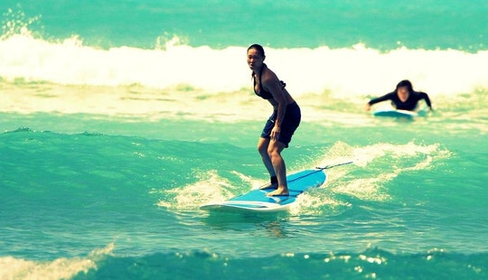 Book A Introductory Surf Lessons From 12 Years Old And Older In Kuhio Beach In Honolulu