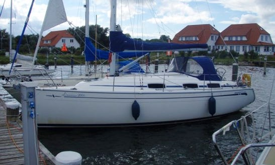 'limanago' Bavaria 30 Cruiser Monohull Charter In Krummin