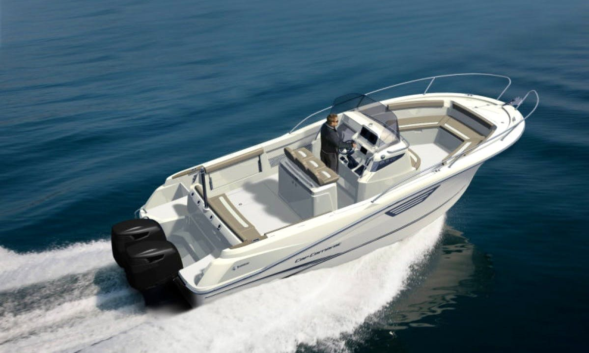 Jeanneau 8.5 CC Boat Hire in France