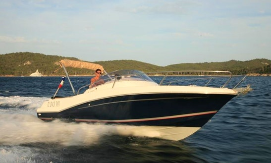 Jeanneau 755 Wa Boat Hire In France