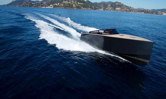 Van Dutch 40 Cruiser Boat Charter In Sint Maarten