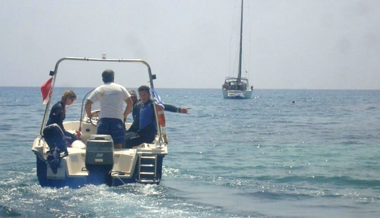 Boat Trips In Santorini