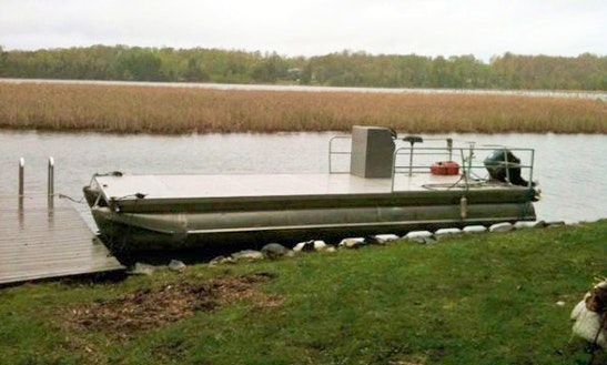 25' Pontoon Barge Rental In Bracebridge