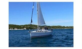 Charter Hunter 41 Cruising Monohull in Angra dos Reis