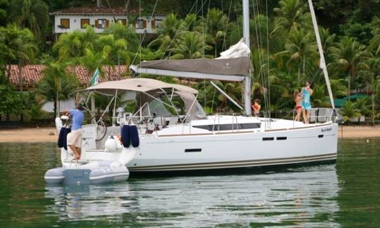Charter Jeanneau 44 Cruising Monohull In Paraty