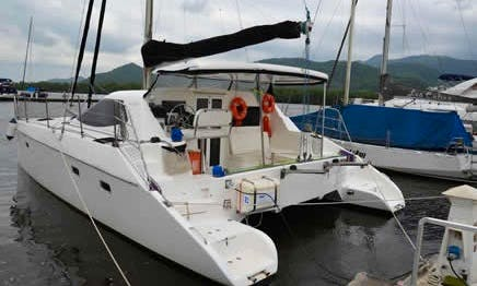 Flash Cat 35´ Cruising charter in Paraty