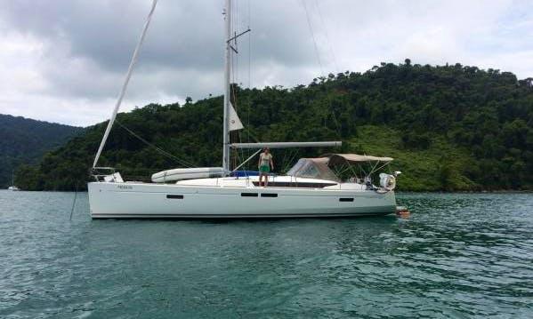 Charter Jeanneau 47´ in Paraty