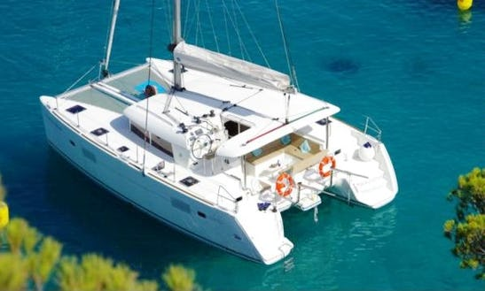 Cruising Catamaran Rental In Angra Dos Reis