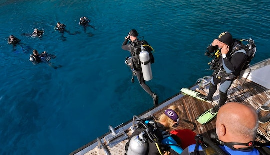 Boat Diving Trips In Dahab - Egypt