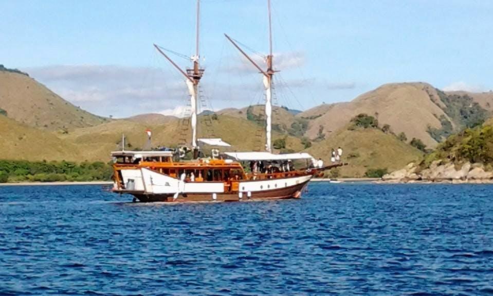 Gulet Sailing Trips in Kumai