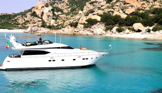 20s Maiora Flybridge Luxury Yacht Porto Rotondo