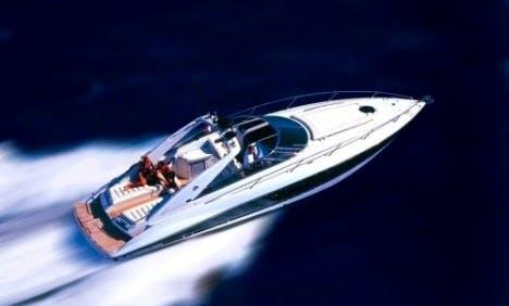 43ft Sunseeker Superhawk Motor Yacht Charter in Poole, United Kingdom