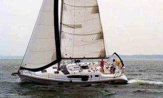 38' Hunter 376 Cruising Monohull in Annapolis, Maryland, USA