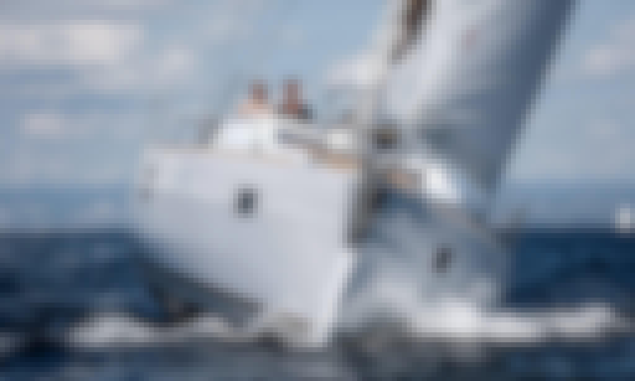 'Thetis' Elan 45i Monohull Charter in Alimos