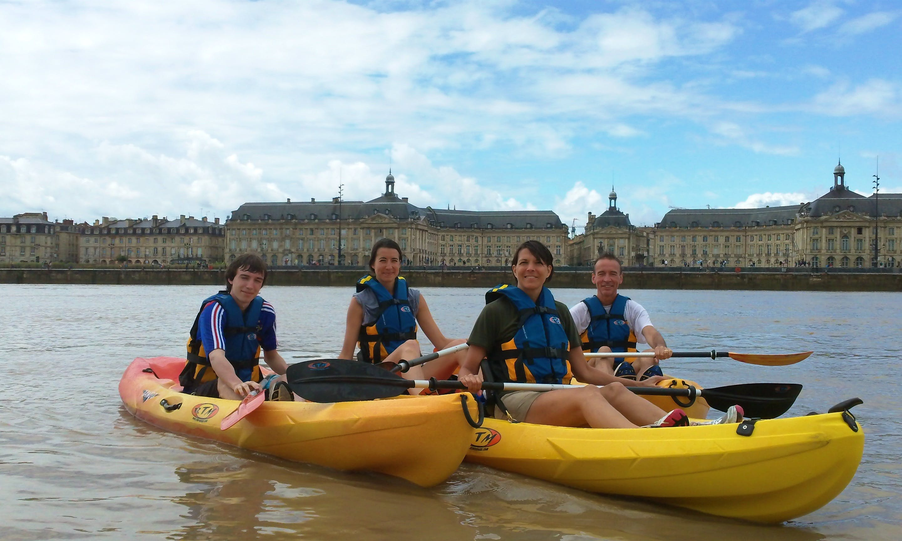 Guided Kayak Tour (Children Welcome) on Garone River from Bègles, France