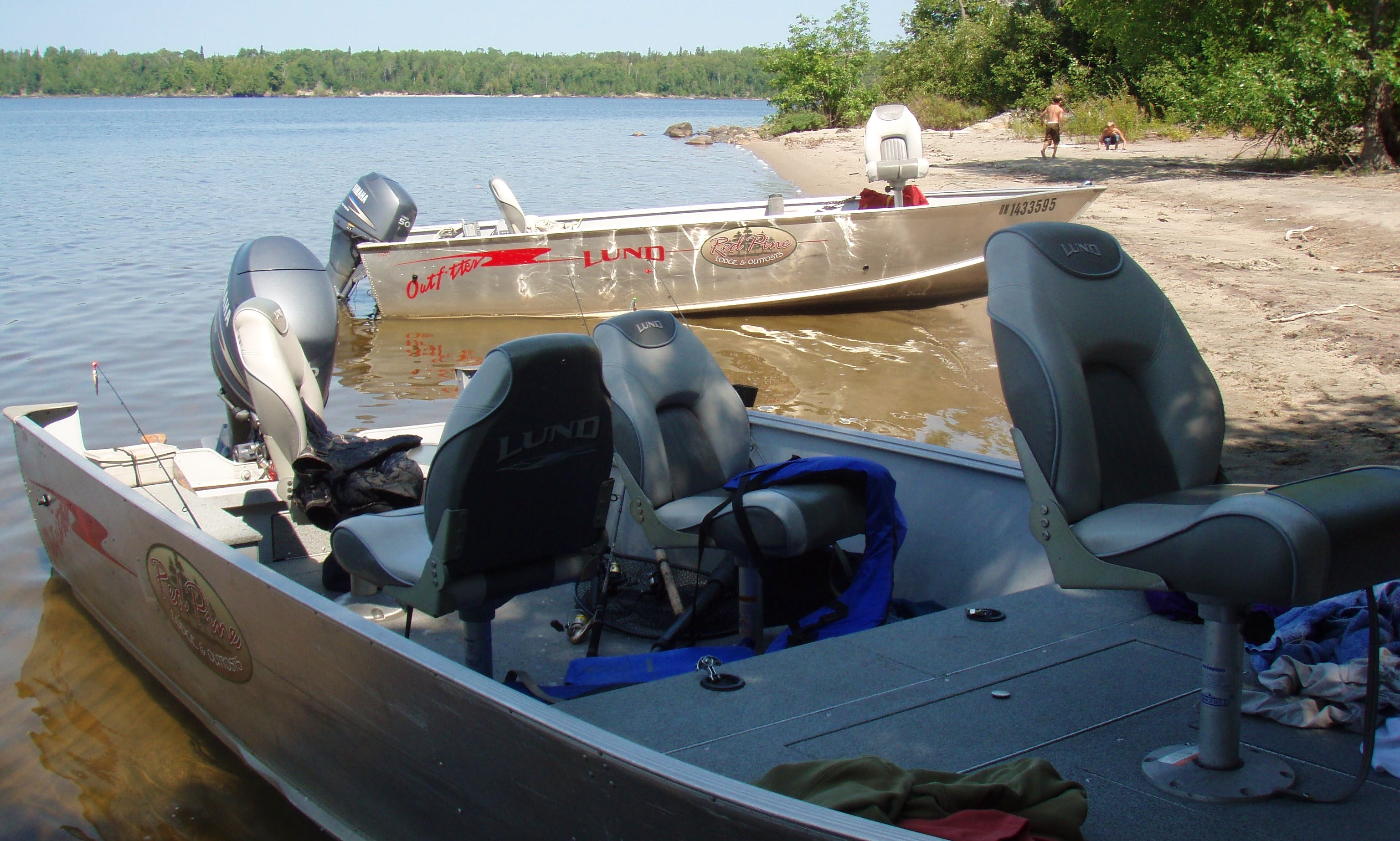 18' Fishing Boat Rental in Ontario, Canada