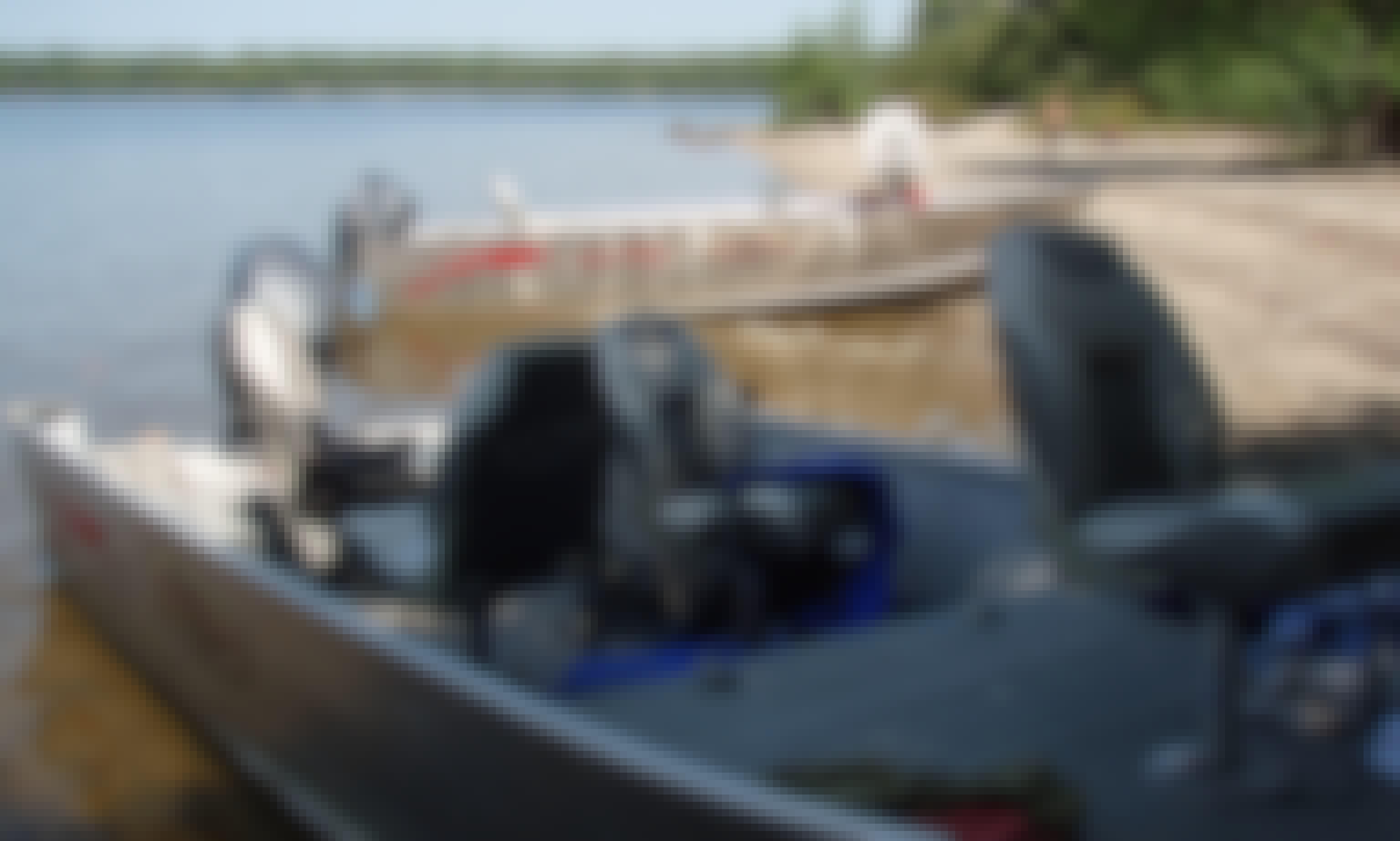 18' Fishing Boat Rental in Ontario, Canada
