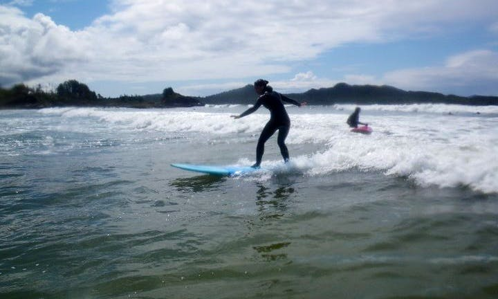 Learn to Surf In Tofino