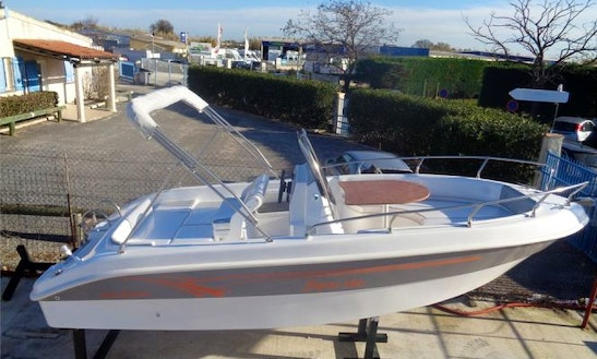 Rent Salmeri 560 Powerboat In Saint-florent
