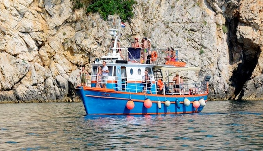 Vojga Boat Diving Trips In Krk