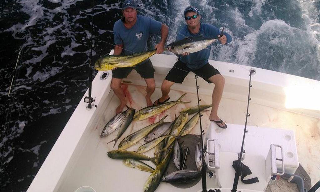 Fishing charter on 43ft calcutta boat in key largo for Key largo fishing guides