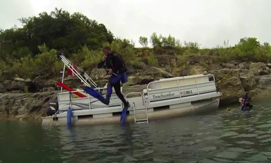 Boat Diving In Canyon Lake
