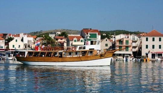 Morska Vila Boat Trips In Vodice