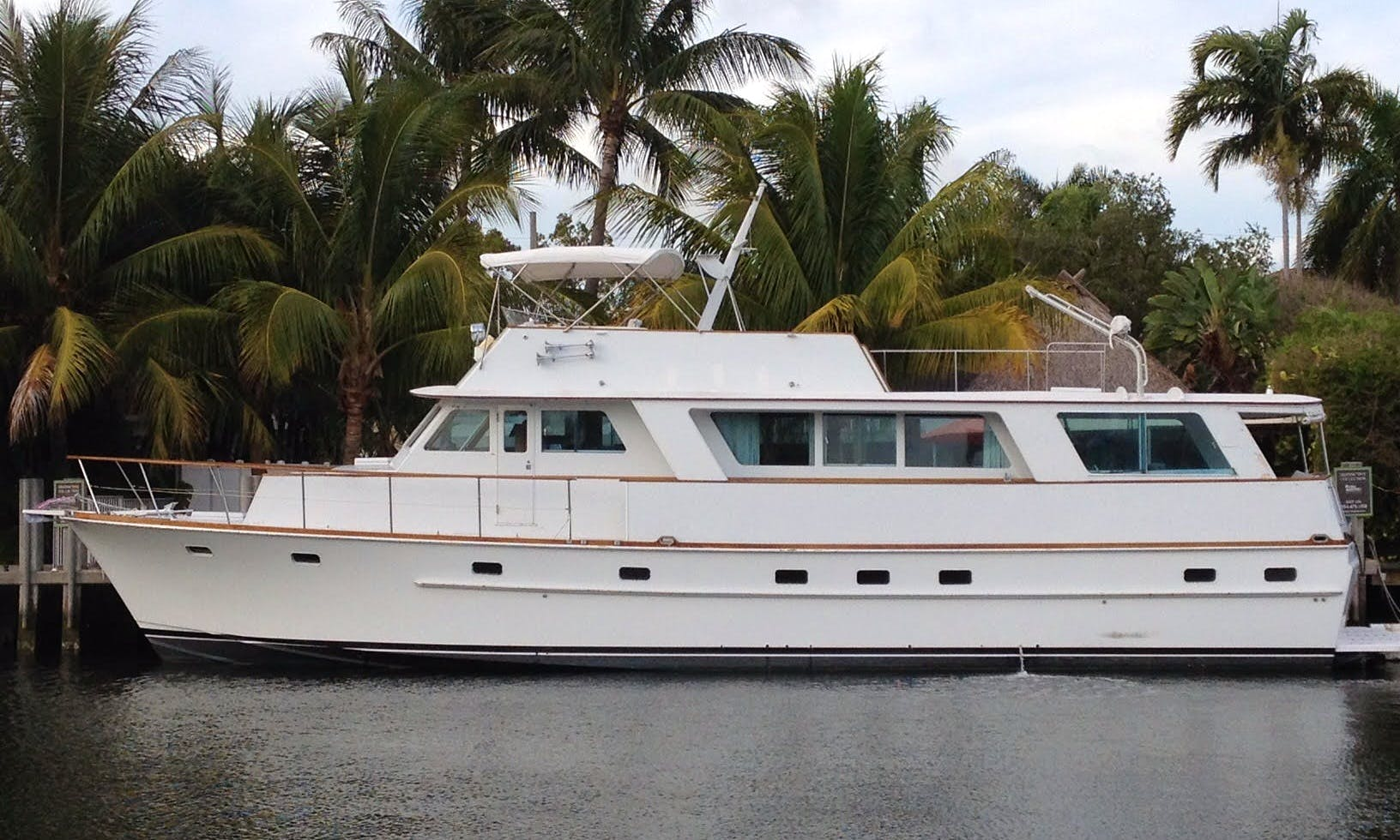 "Charter 63ft ""My Bozena"" Power Mega Yacht in East Hampton"