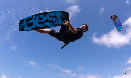 Book Kitesurfing Lessons In Manta, Ecuador