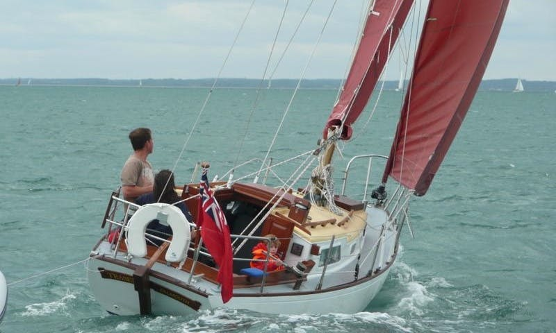 "Holman 26 ""Teasel"" Yacht Charter In Hamble-le-Rice"