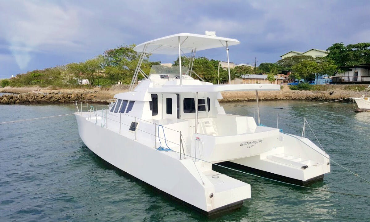 37' Evercat Catamaran Power Yacht in Lapu-Lapu City