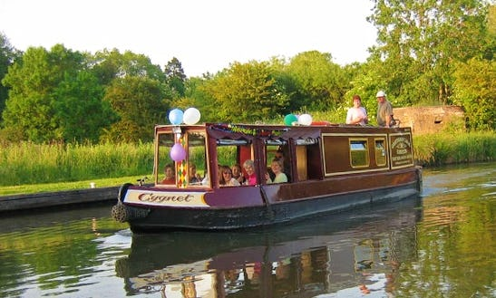 Canal Boat Trips In Kintbury