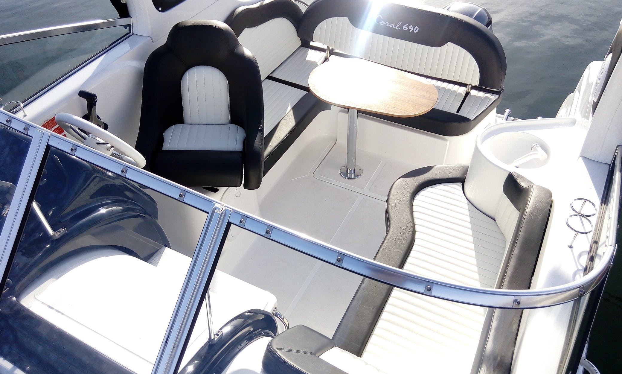 Coral Yacht 690 Sport Cruiser Charter in Gdynia
