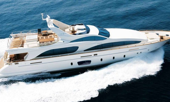 Azimut 50 Luxury Motor Yacht In Phuket
