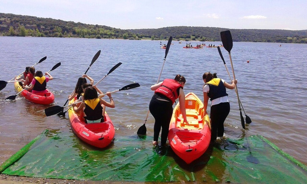 Triple Kayak Hire In Guadalix De La Sierra