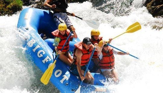 (4-6 Person) Raft Rental In Willow Creek