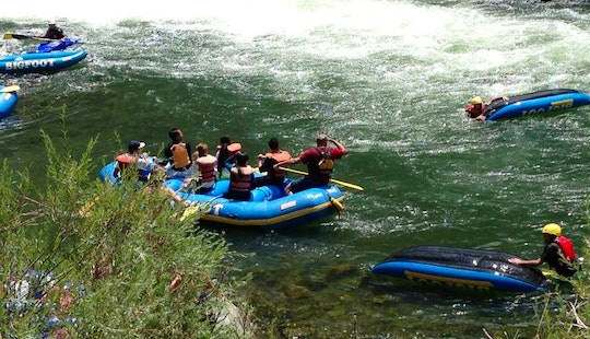 Book A Rafting Trip In Willow Creek For 8 Person!
