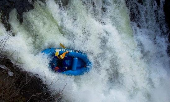 Self Bailing Raft In Willow Creek