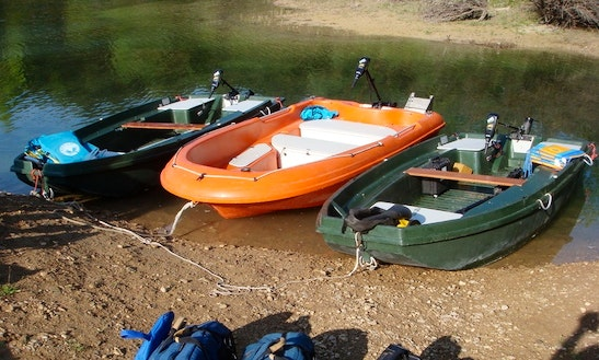 Electric Boat Hire In Montagnac-montpezat