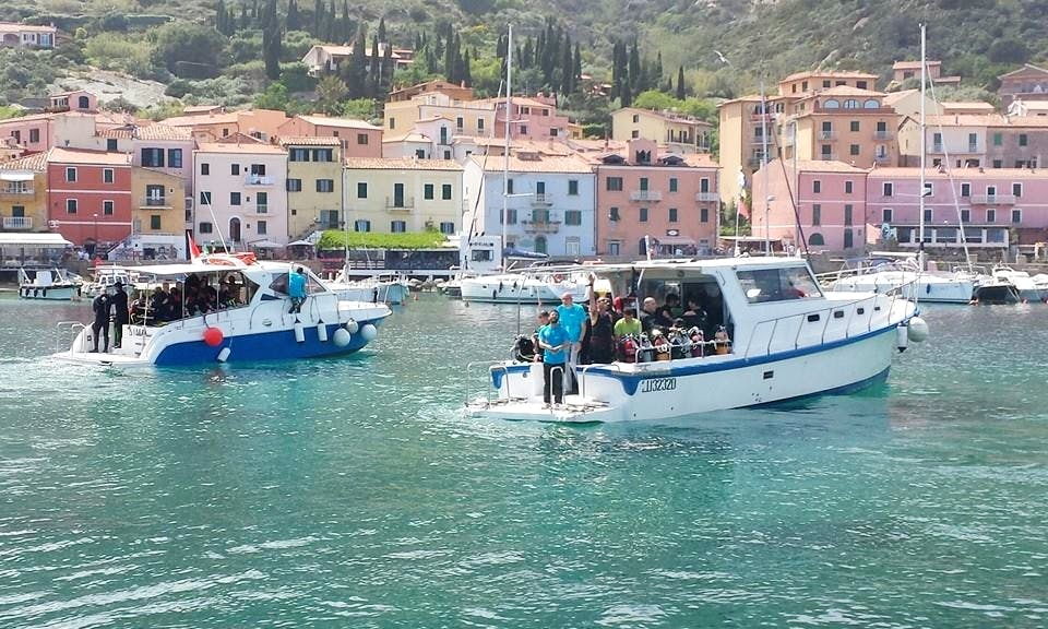 Open Water Dive Lessons in Isola del Giglio, Toscana