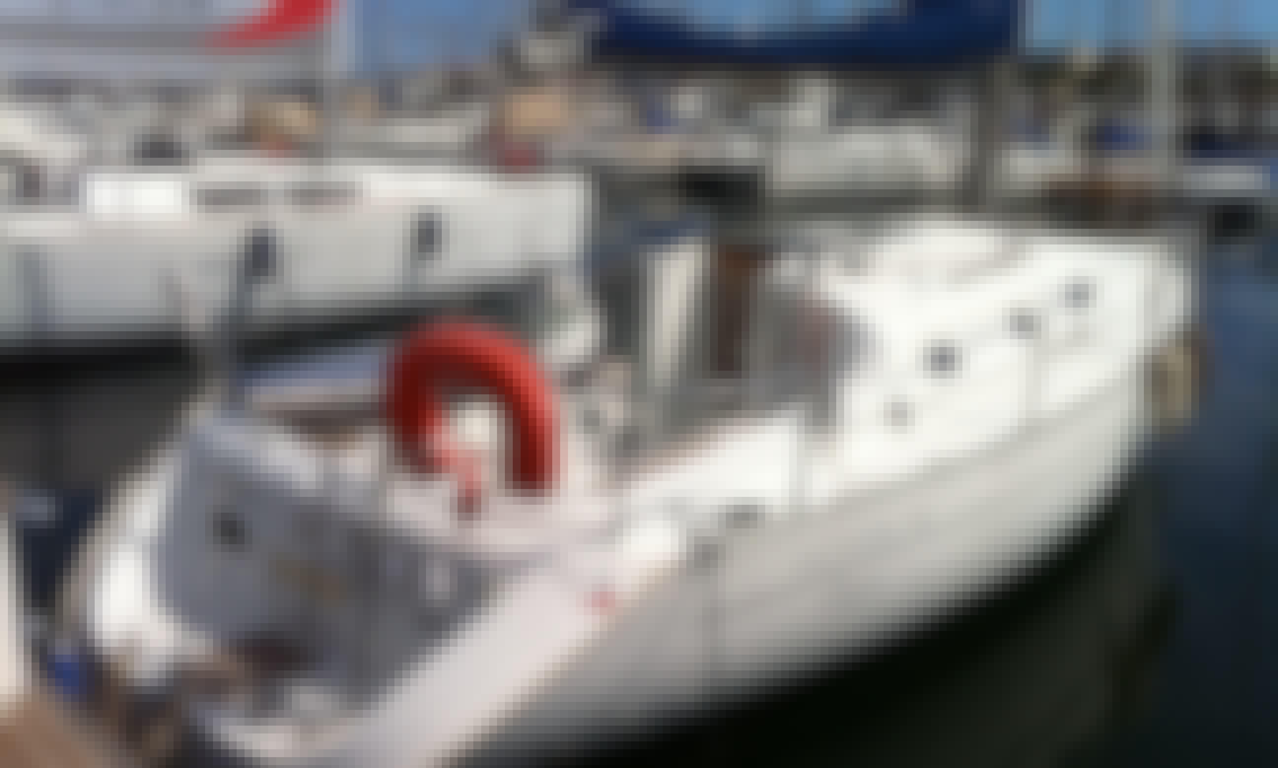 Oceanis 311 Clipper Cruising Monohull Rental in Antibes, France