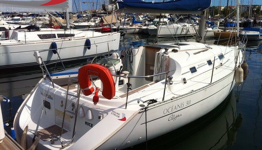 Oceanis 311 Clipper Cruising Monohull Rental In Antibes, France