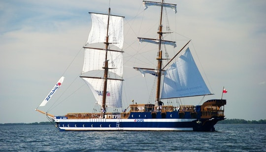 'chopin' Sailing In Mikołajki